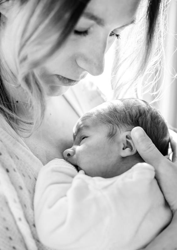 Noir et blanc maman et son fils