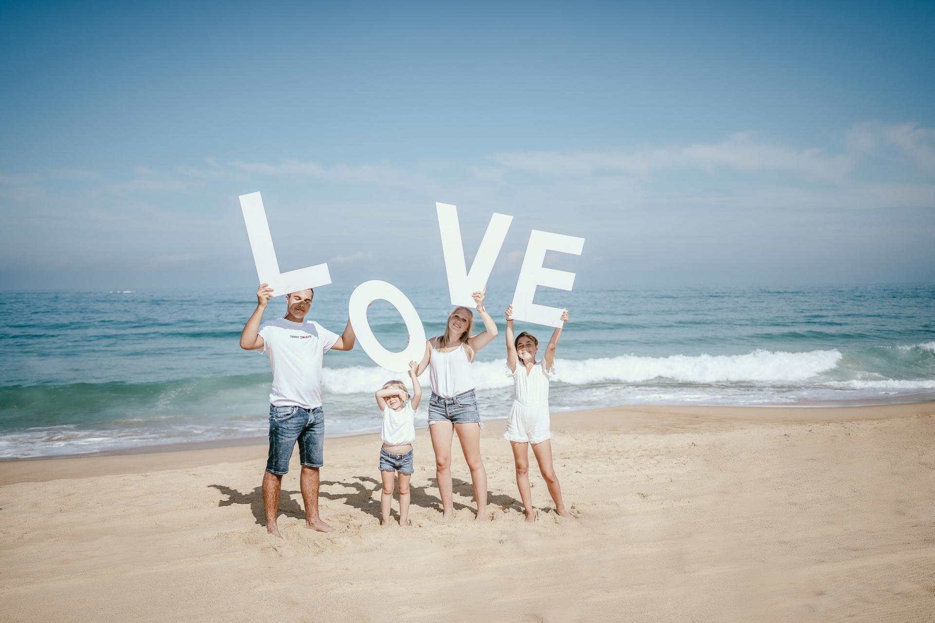 Photo de famille sur la plage dax landes photographe