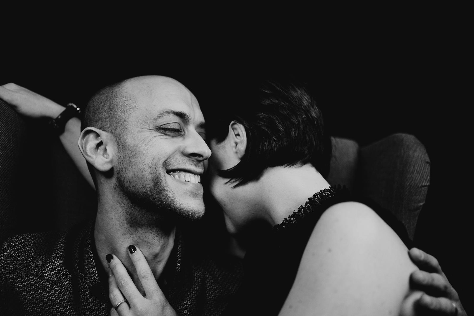 Shooting couple noir blanc photographe pluie 3